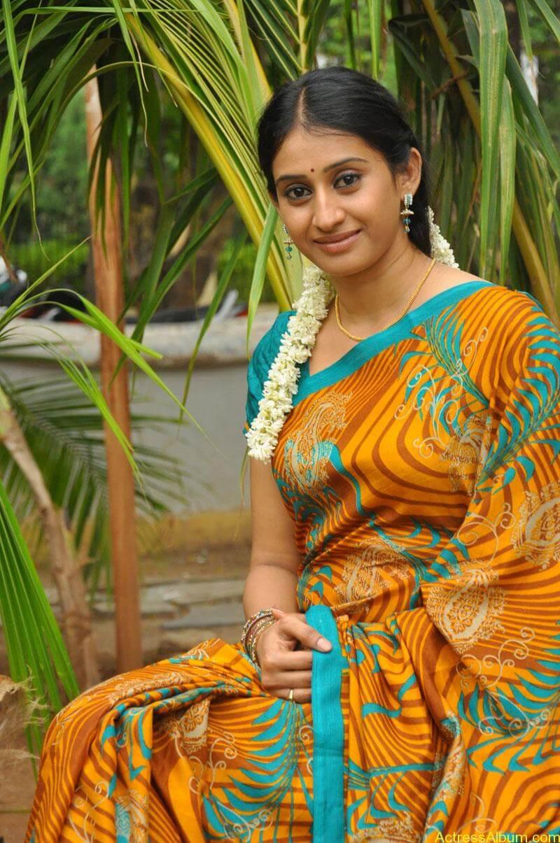 Tv serial actress meena photos (3)
