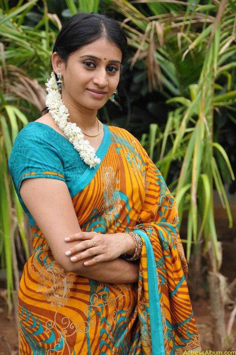 Tv serial actress meena photos (4)