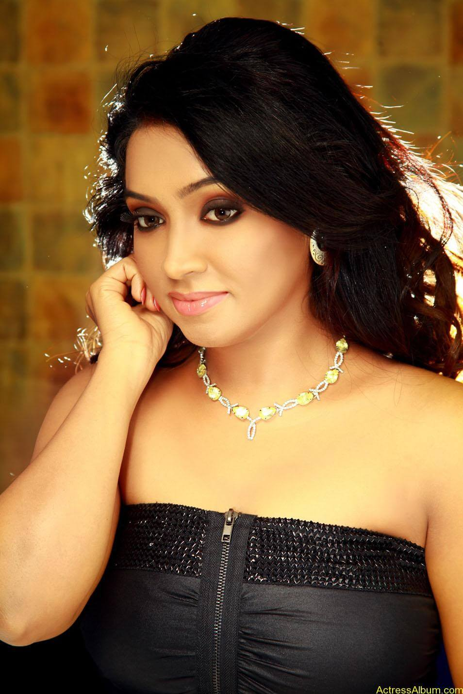 Vaishali-spicy_stills__10