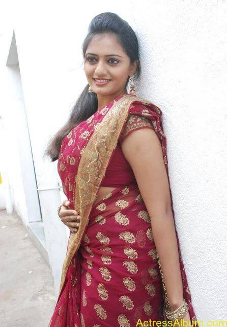 vijay tv actress aishwarya hot stills in saree (10)