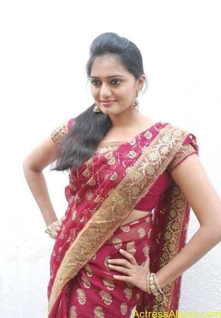 vijay tv actress aishwarya hot stills in saree (7)