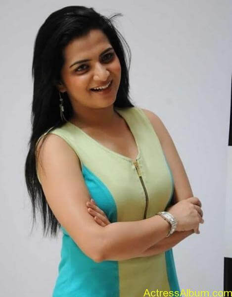 Vj divyadarshini hot stills (2)