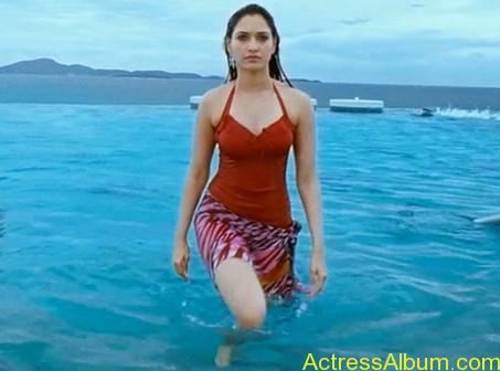 tamanna-swimsuit-hot