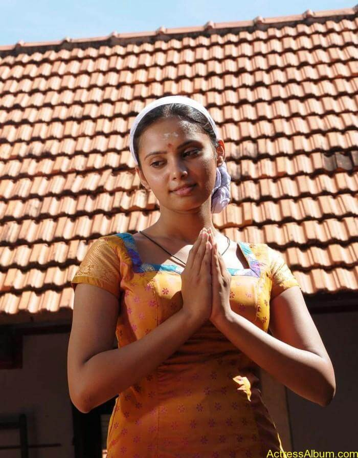 Aarushi latest hot stills (5)
