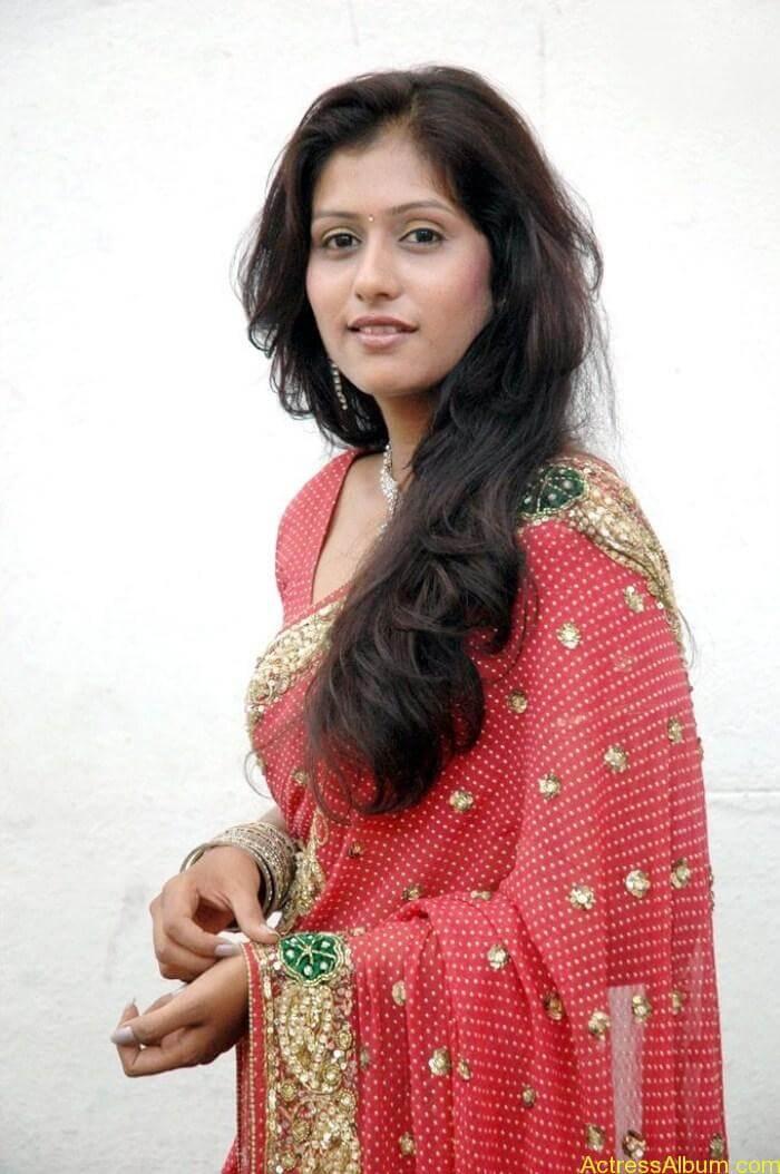 Actress Harini in Saree Stills