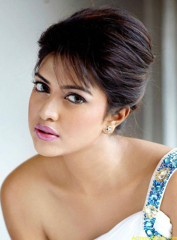 Actress Amala Paul Latest Hot Photoshoot Images