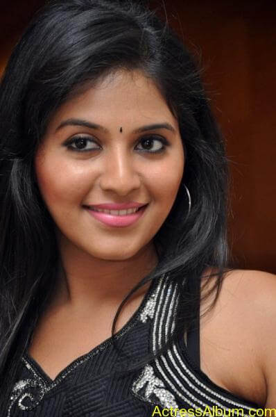 Anjali cute hot stills in black sudithar (12)