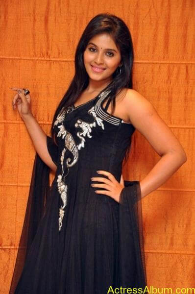 Anjali cute hot stills in black sudithar (6)