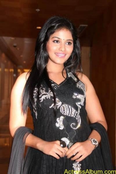 Anjali cute hot stills in black sudithar (7) (1)