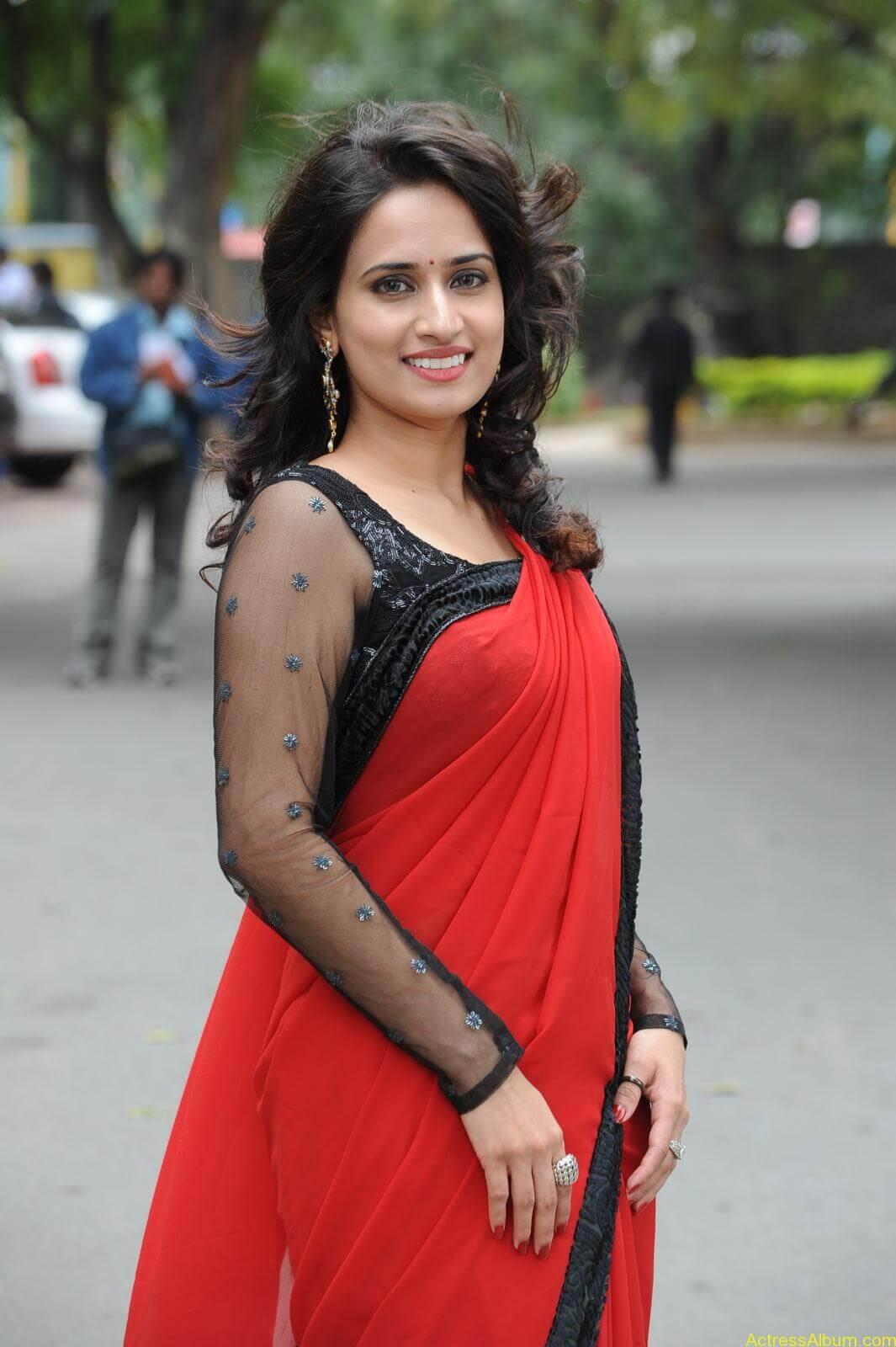 Chinmayi Ghatrazu Hot stills in Red colour Saree (3)