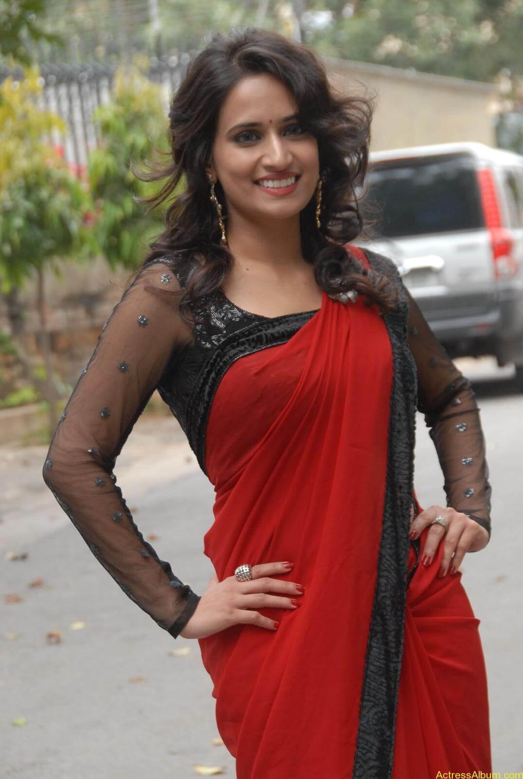 Chinmayi Ghatrazu Hot stills in Red colour Saree (4)