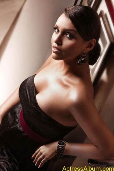Debi Dutta Hot spicy photos stills (5)