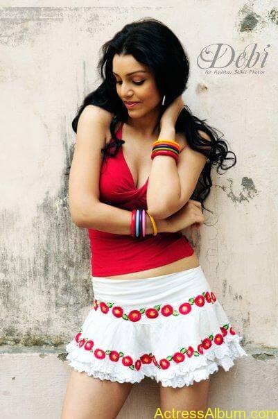 Debi Dutta Hot spicy photos stills (8)