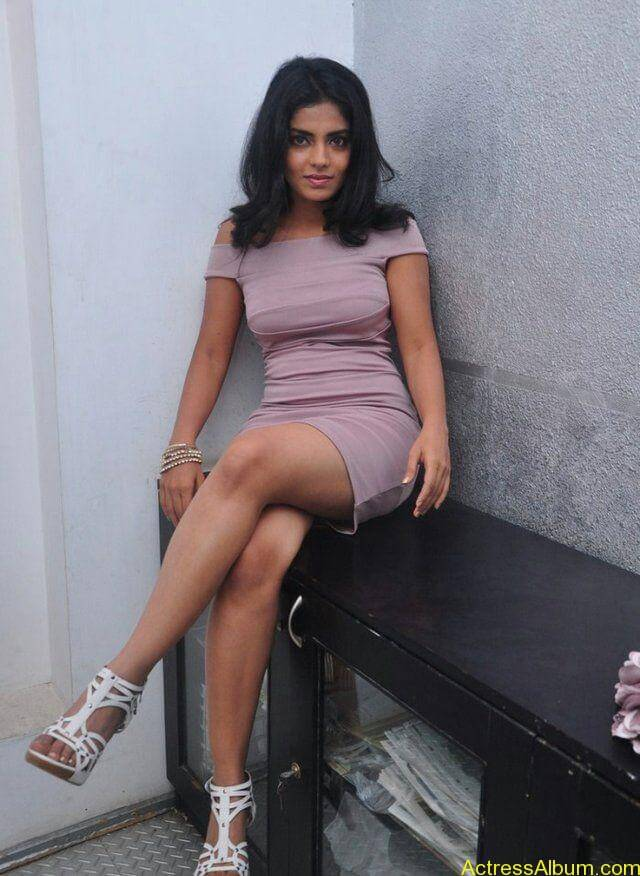 Janavi hot stills wallpapers (4)