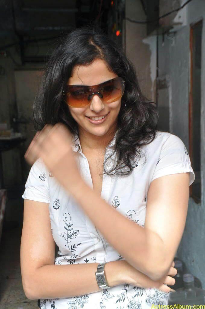 Nishanthi Hot stills (13)