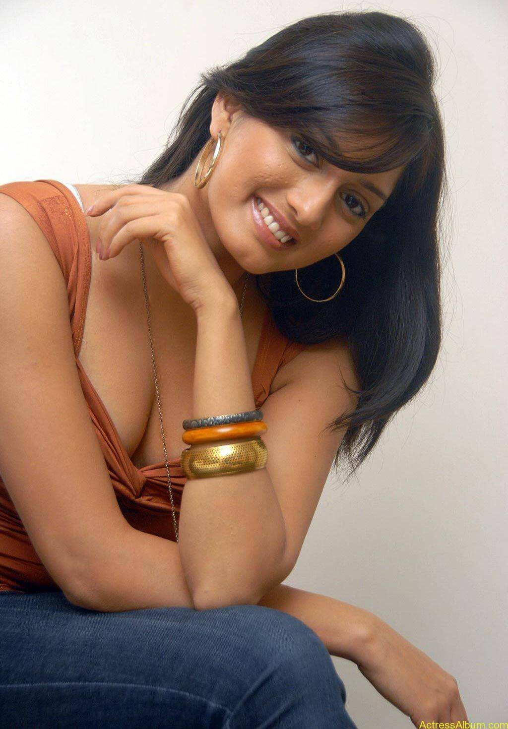 Parvati Vaze Sexy Images - Actress Album-3828