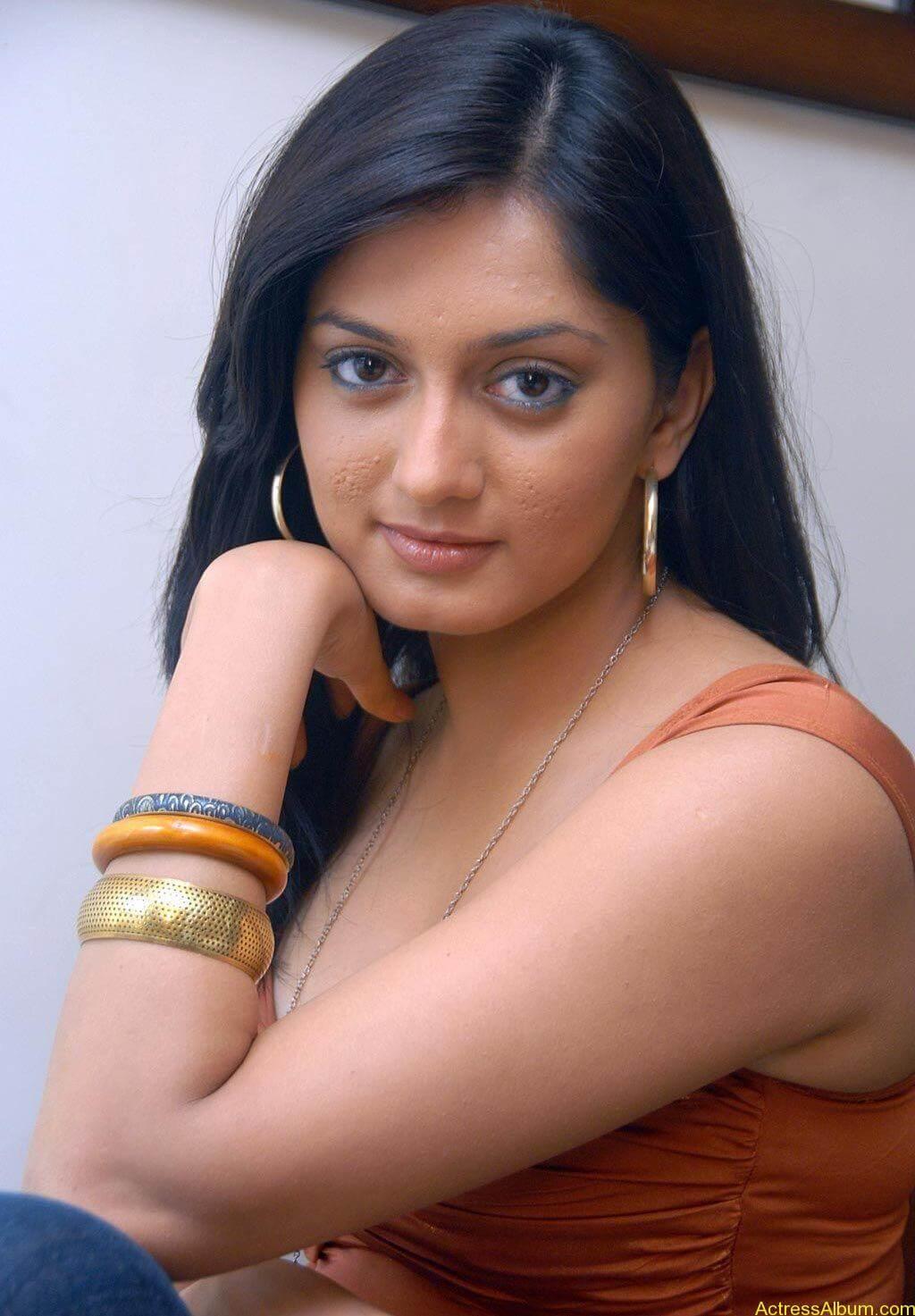 Parvati vaze hot photos stills (3)