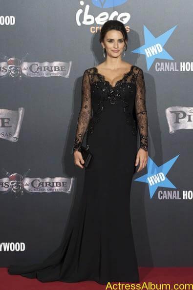 Penelope Cruz - Pirates Caribbean actress  (5)