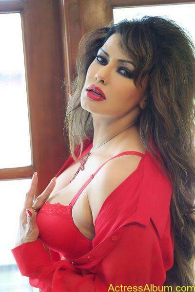 Poonam jhawer very hot unseen stills in red dress (1)