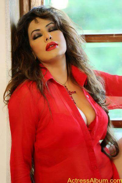 Poonam jhawer very hot unseen stills in red dress (3)