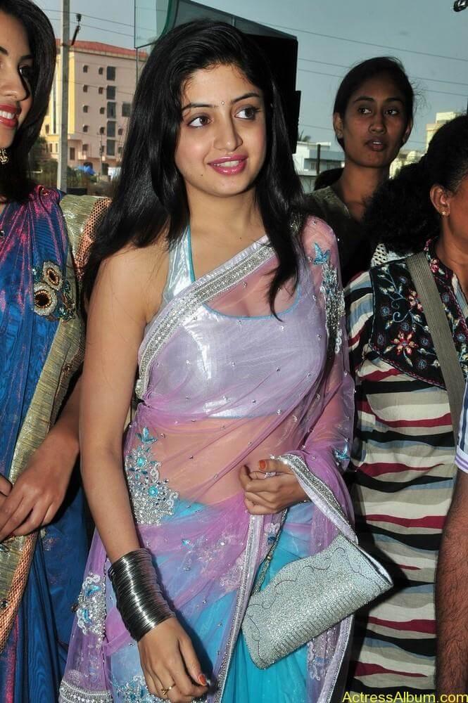 Poonam Kaur Hot Stills at Kalamandir Nagavalli costumes collection (15)