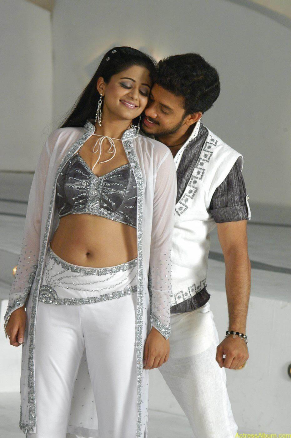 Priyamani Bharath hot stills In Bet Movie (3)