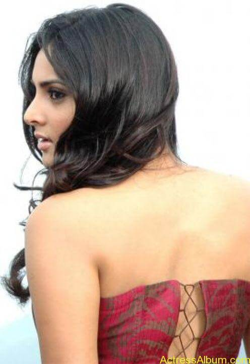 Ramya hot spicy photos stills (5)