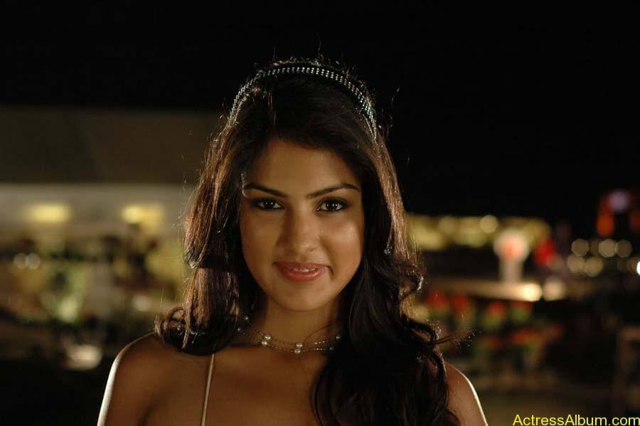 Ria Chakravarthi Hot Stills in Tuneega Tuneega Telugu Movie