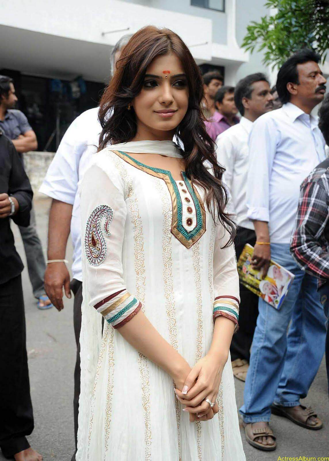 Samantha cute stills in  White Punjabi (11)