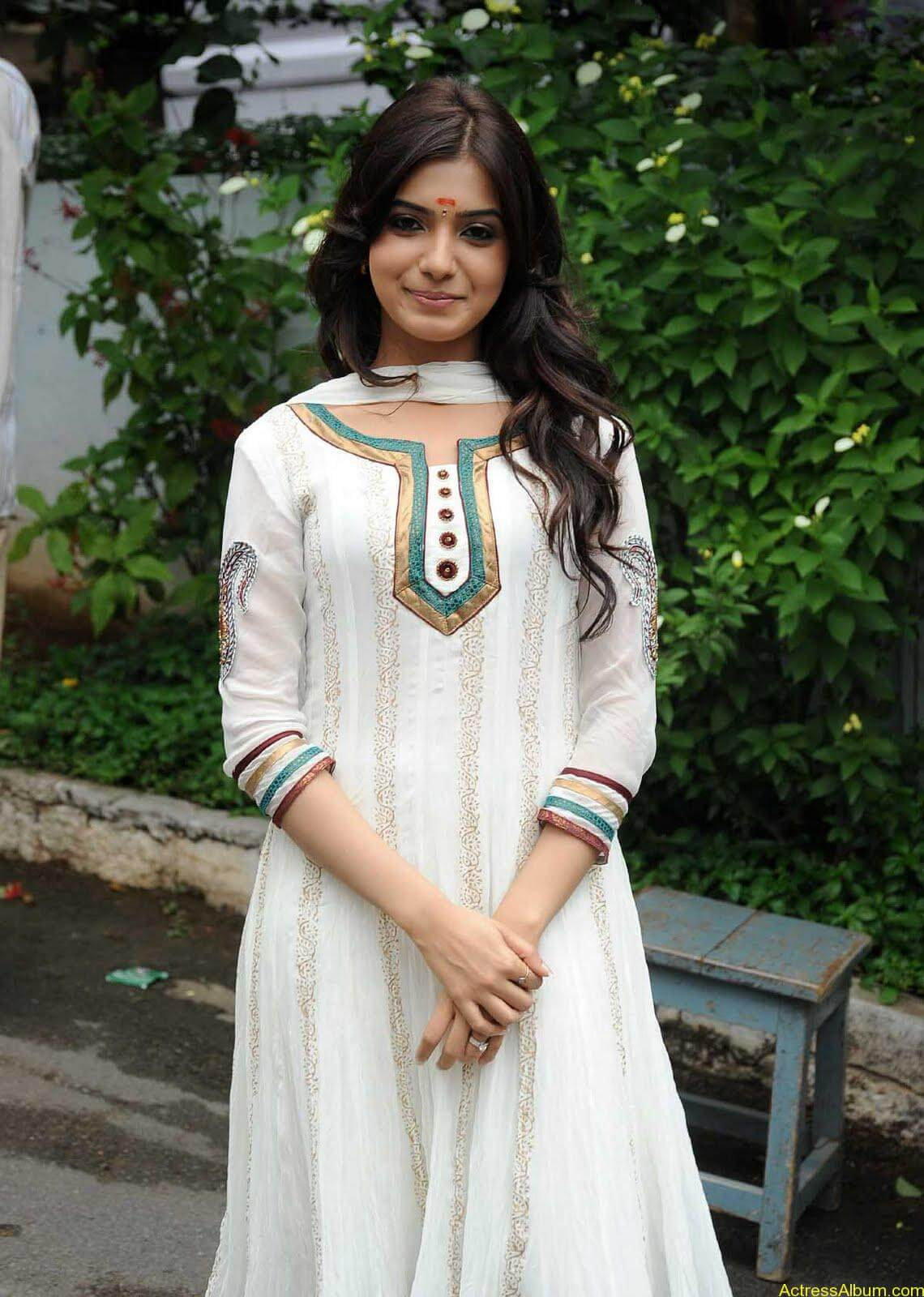Samantha cute stills in  White Punjabi (6)