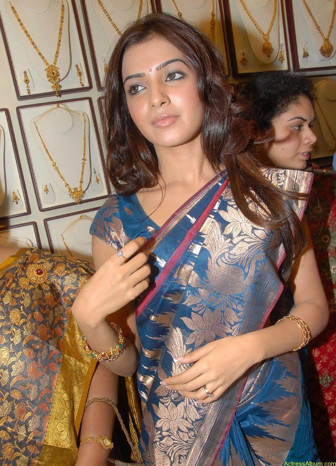 Samantha Hot Photos At RKS Silks showroom Launch (2)
