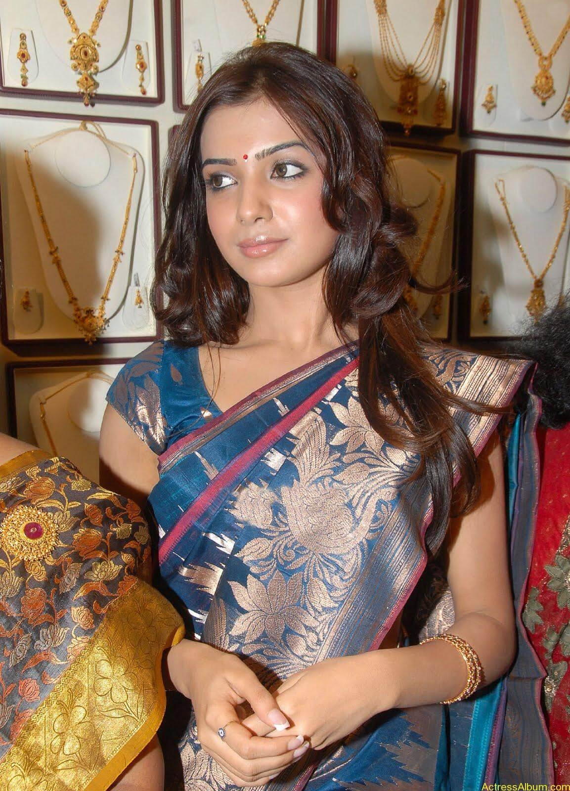 Samantha Hot Photos At RKS Silks showroom Launch (3)
