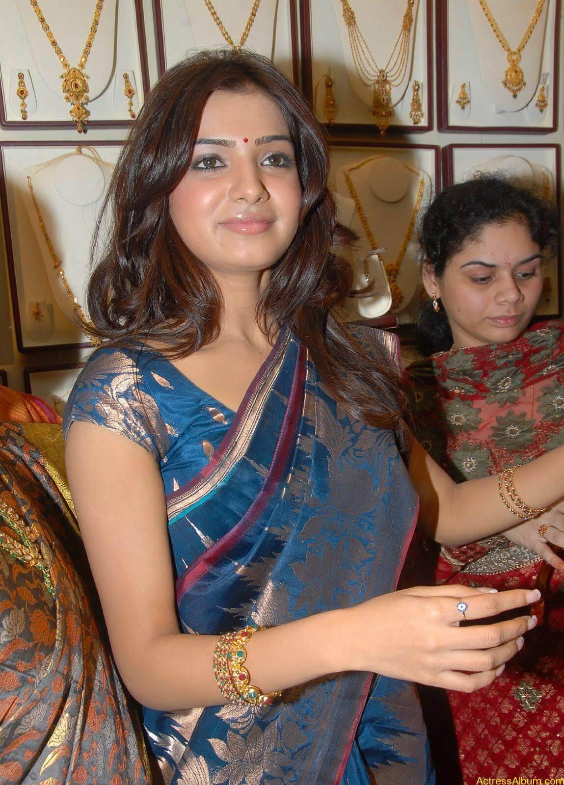 Samantha Hot Photos At RKS Silks showroom Launch (5)