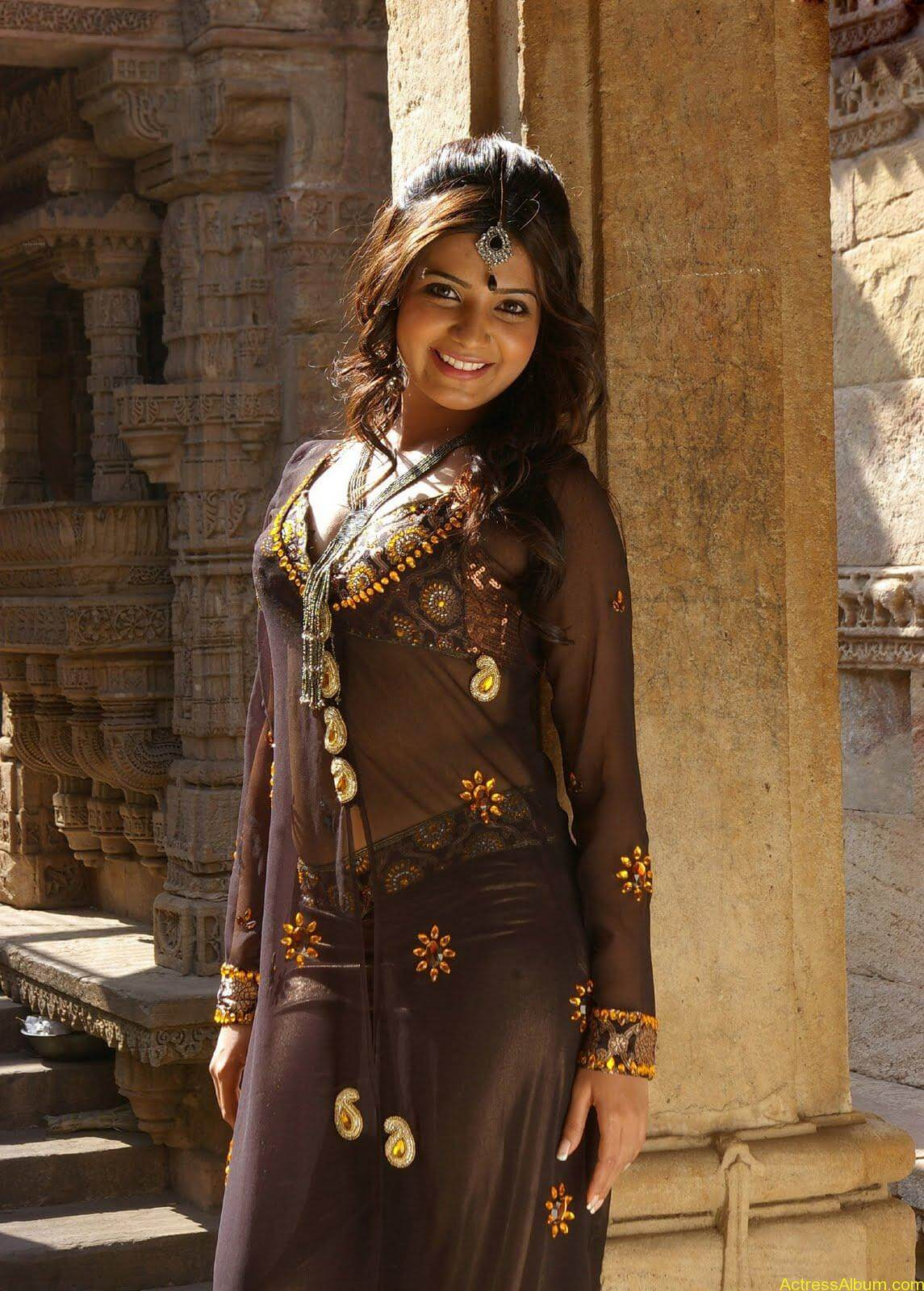 Samantha hot stills in  Kurralloye Kurrallu Movie (4)