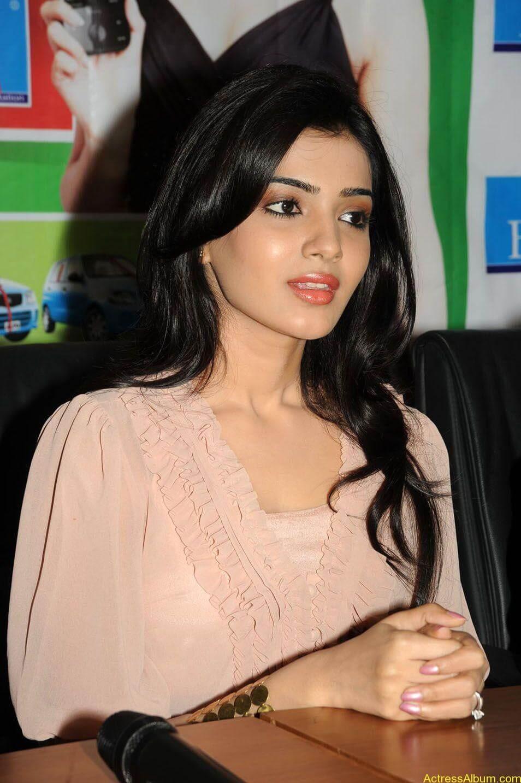 Samantha stills at big c rojuko laksha contest (1)