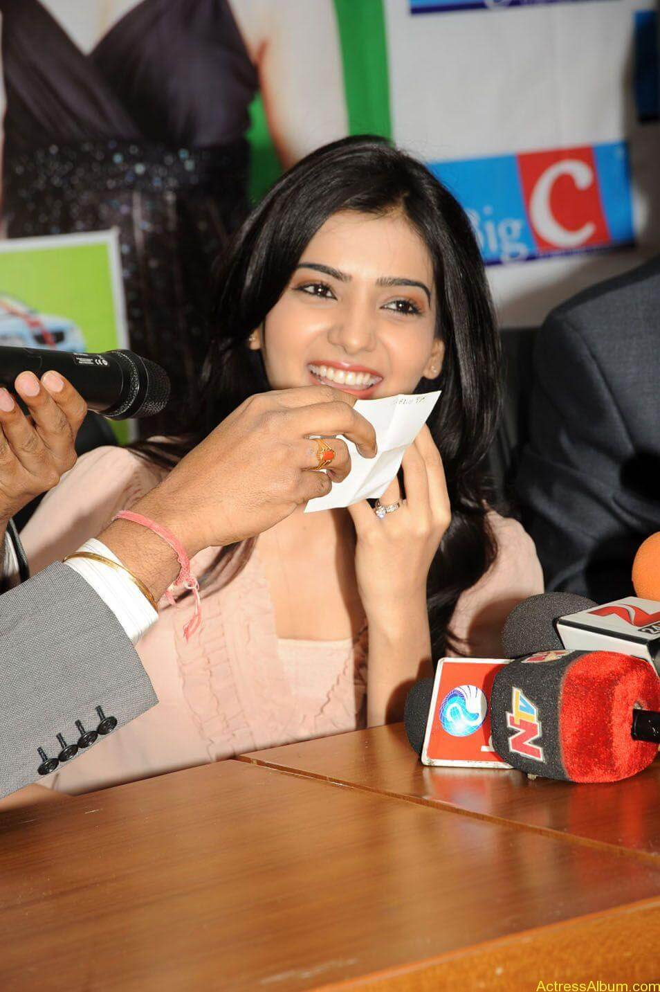 Samantha stills at big c rojuko laksha contest (6)
