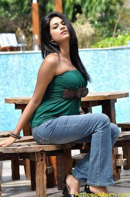 Shraddha das hot spicy photos stills (10)