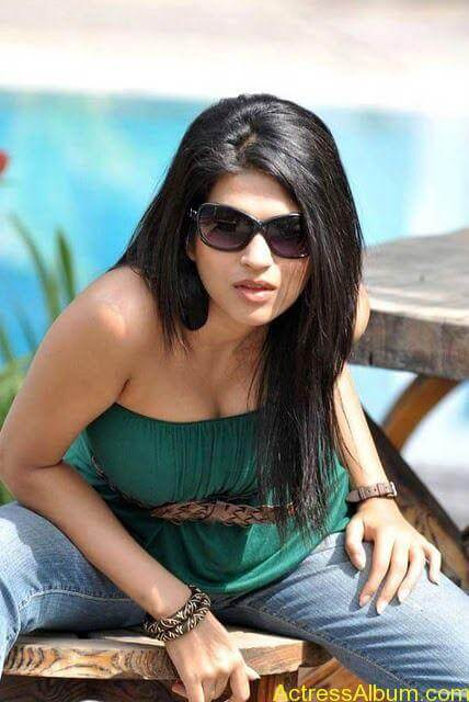 Shraddha das hot spicy photos stills (5)