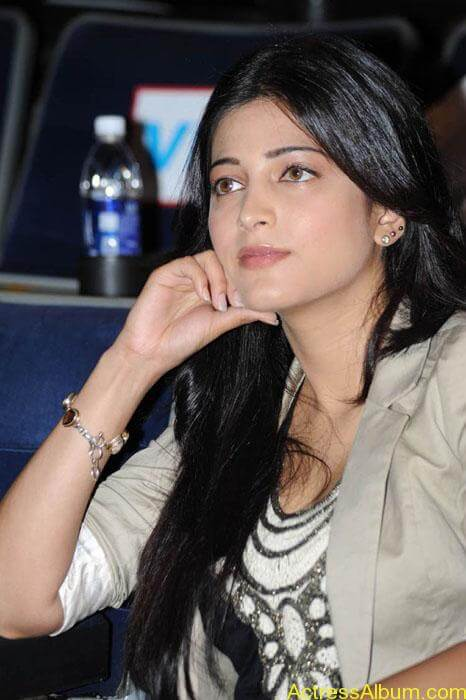 Shruthi hassan cute stills in  black and brown tops (3)