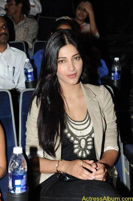 Shruthi hassan cute stills in  black and brown tops (5)