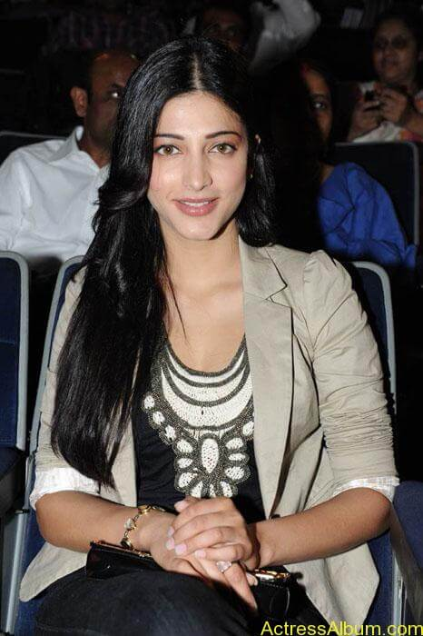 Shruthi hassan cute stills in  black and brown tops (6)