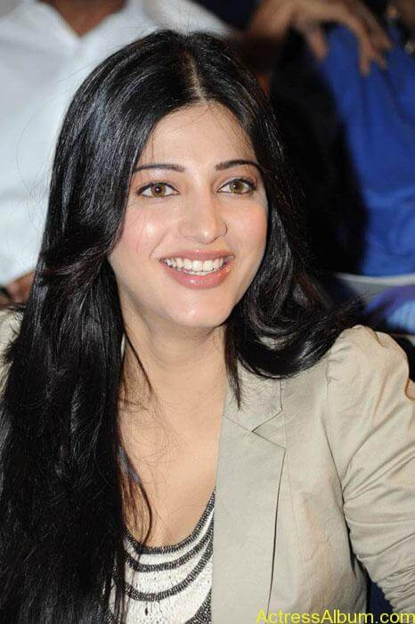 Shruthi hassan cute stills in  black and brown tops (7)