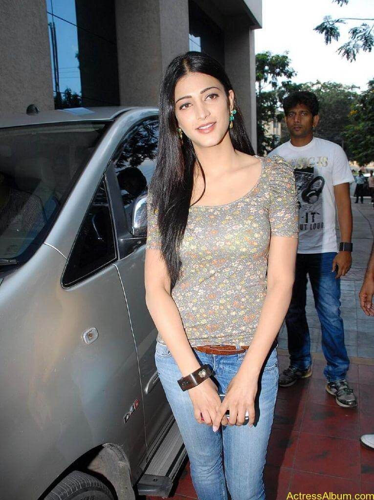 shruti-haasan-oh-my-friend1
