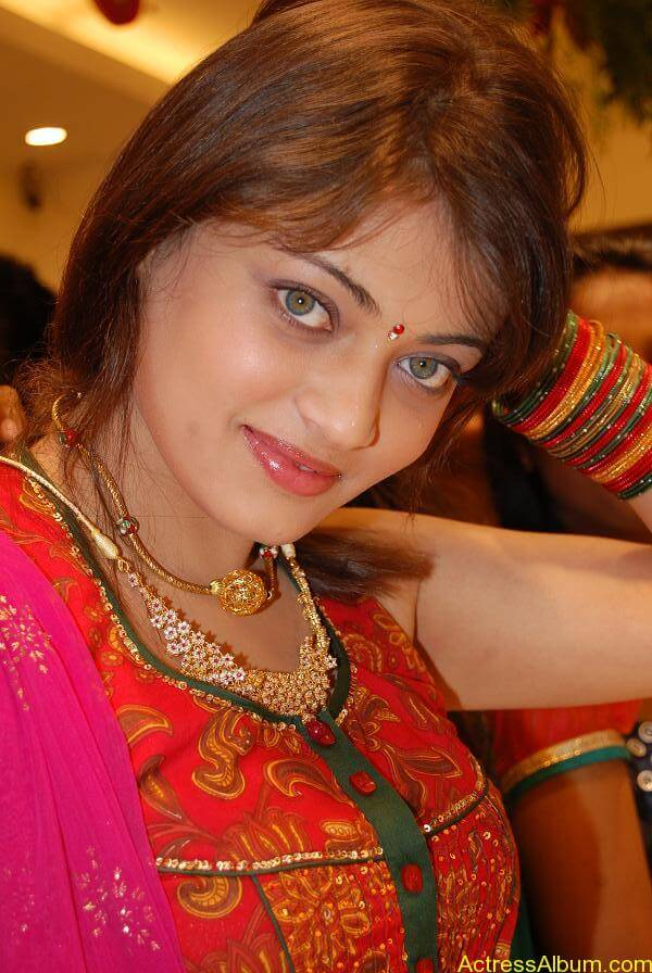 Sneha Ullal Spicy Hot stills At South India Shopping Mall Launch (2)