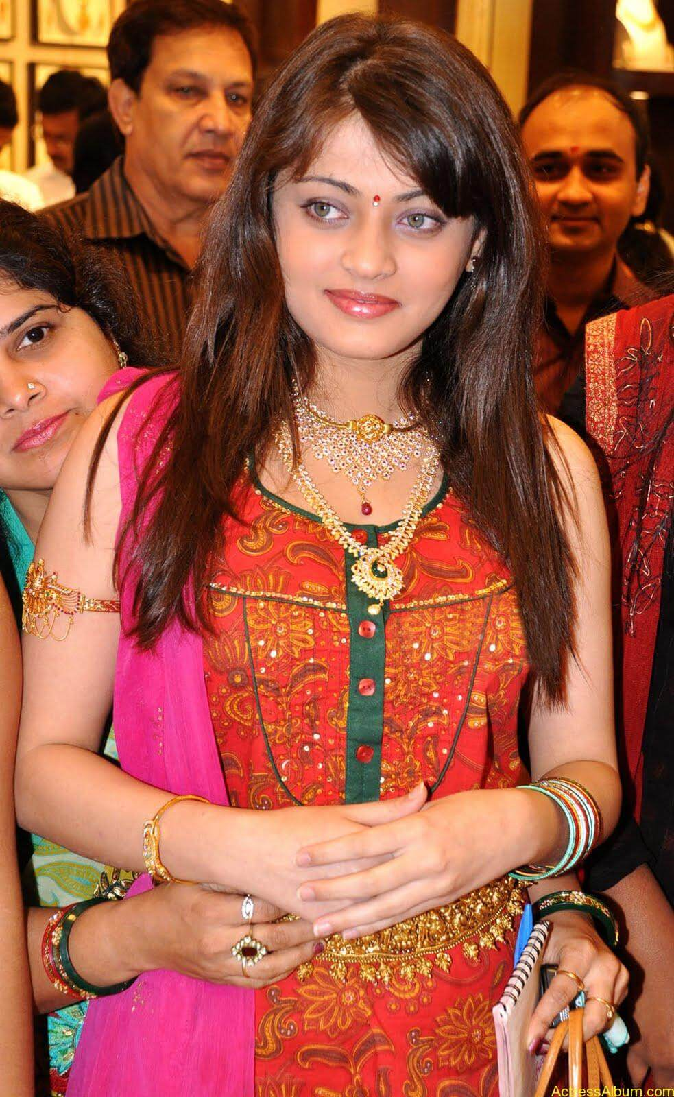 Sneha Ullal Spicy Hot stills At South India Shopping Mall Launch (5)