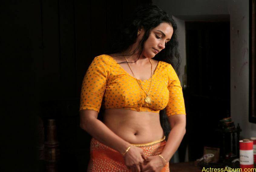 Swetha menon hot photos stills (1)