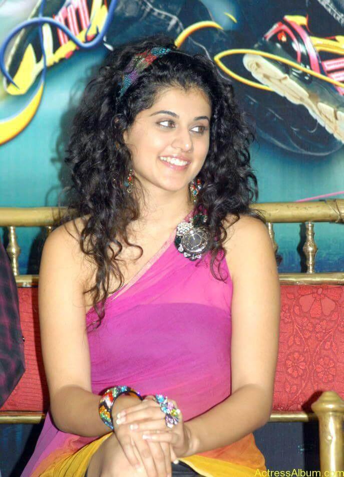 Taapsee hot stills At Vasthadu Naa Raju Movie Logo Launch (13)