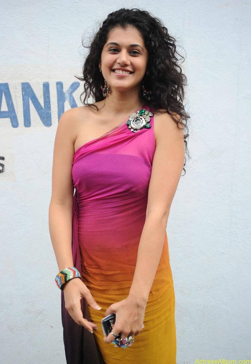 Taapsee hot stills At Vasthadu Naa Raju Movie Logo Launch (15)