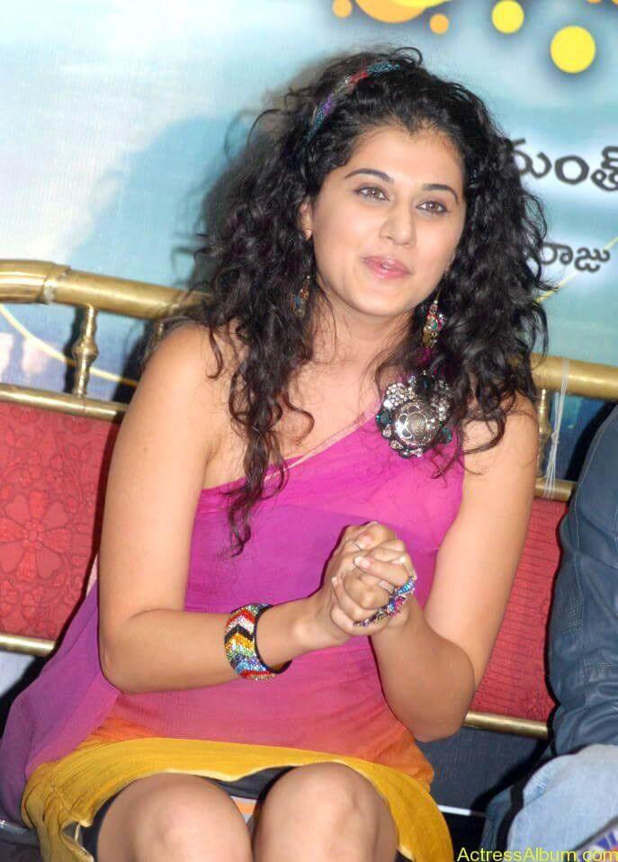 Taapsee hot stills At Vasthadu Naa Raju Movie Logo Launch (8)
