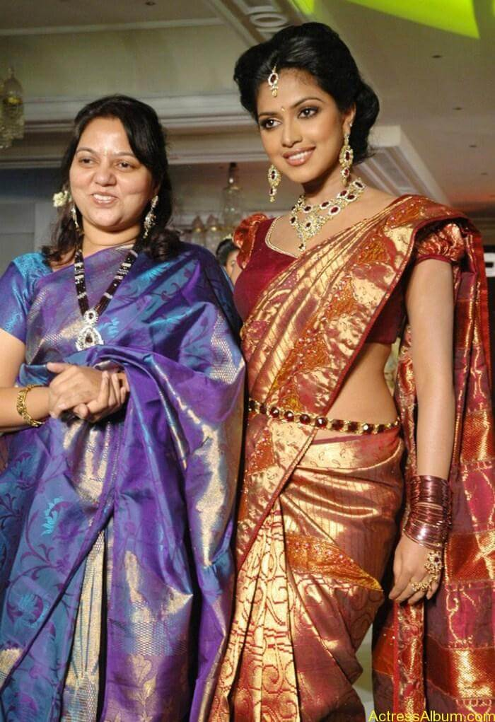 Amala Paul in Saree @ Palam Silks Fashion Show